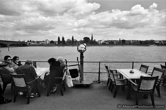 Touristskop am Rhein in Bonn
