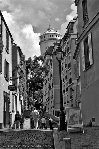 Rue Cortot and Water Tower